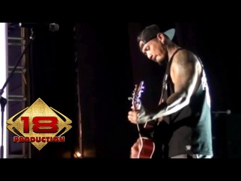 Superman Is Dead (SID)  - Lady Rose  (Live Konser Yogyakarta 6 September 2014)