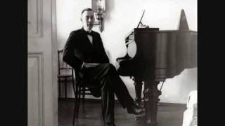 Horowitz plays Rachmaninoff Prelude in g-sharp minor, Op.32 No.12 Allegro