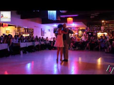 GABRIEL DI PRINZIO Y HEBE MARTINEZ en el Tango Club (MILONGA)
