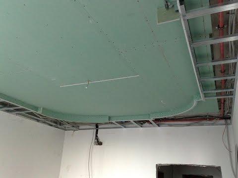 видео: монтаж многоуровневого потолка. what is hidden inside the ceiling.