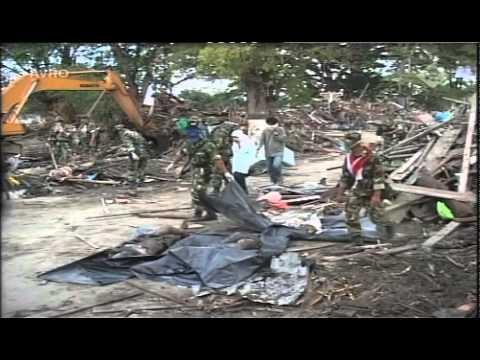 Tsunami 2004 - Looking for Dewi and Rita Amelia