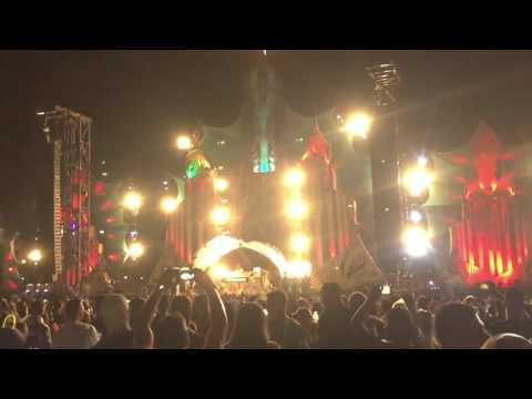 Armin Van Buuren playing Hello ( Dash Berlin Remix ) [XXXPERIENCE Festival 2015]
