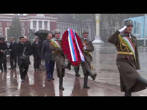Церемония возложения венка к памятнику И.Сомони
