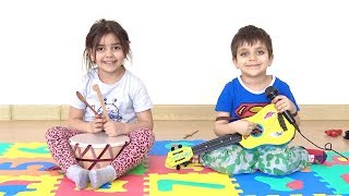 Learn Colors With Kids Song Azra ve Selim singing Peluş oyuncak challenge komik video Selim çıldırdı