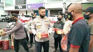 BAKTI SOSIAL HARI JADI HUMAS POLRI KE 69 BIDHUMAS POLDA JATENG BAGIKAN 200 PAKET NASI SIAP SAJI
