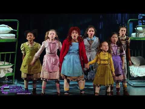 Annie, O Musical - 'Vida Dura Irmão' (It's The Hard Knock Life)