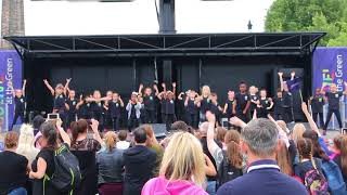 The cutest performance with a surprise at the end | Glasgow Green | Achieve More!