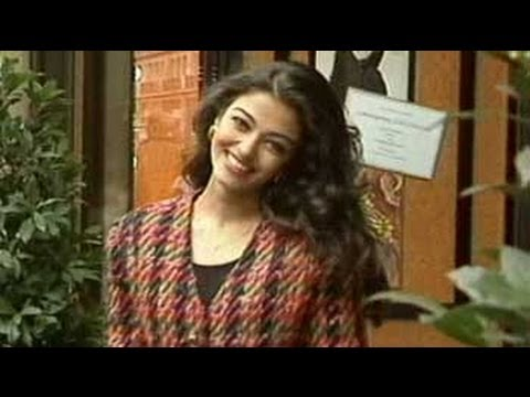 In conversation with beauty queen Aishwarya Rai (Aired: November 1994) Travel Video