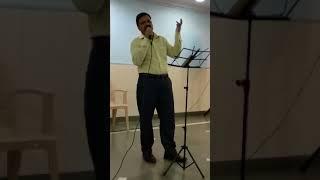 Pyar deewana hota hai, Mastana hota hai. Karaoke singing by Rajesh Nirapure