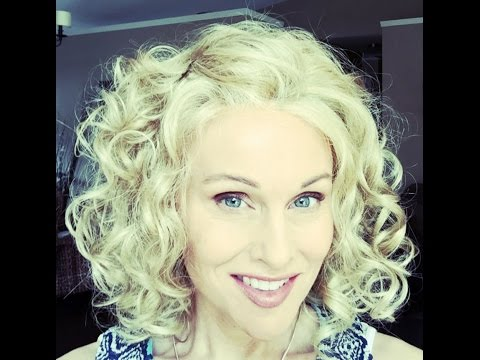 Paulina by Henry Margu in color 26H ~ QUEEN of all curls! How to love curls!