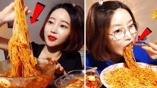 Çok yemek yiyen kadın