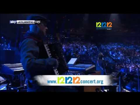 The Concert For Sandy Relief - Intro & Bruce Springsteen[HD]