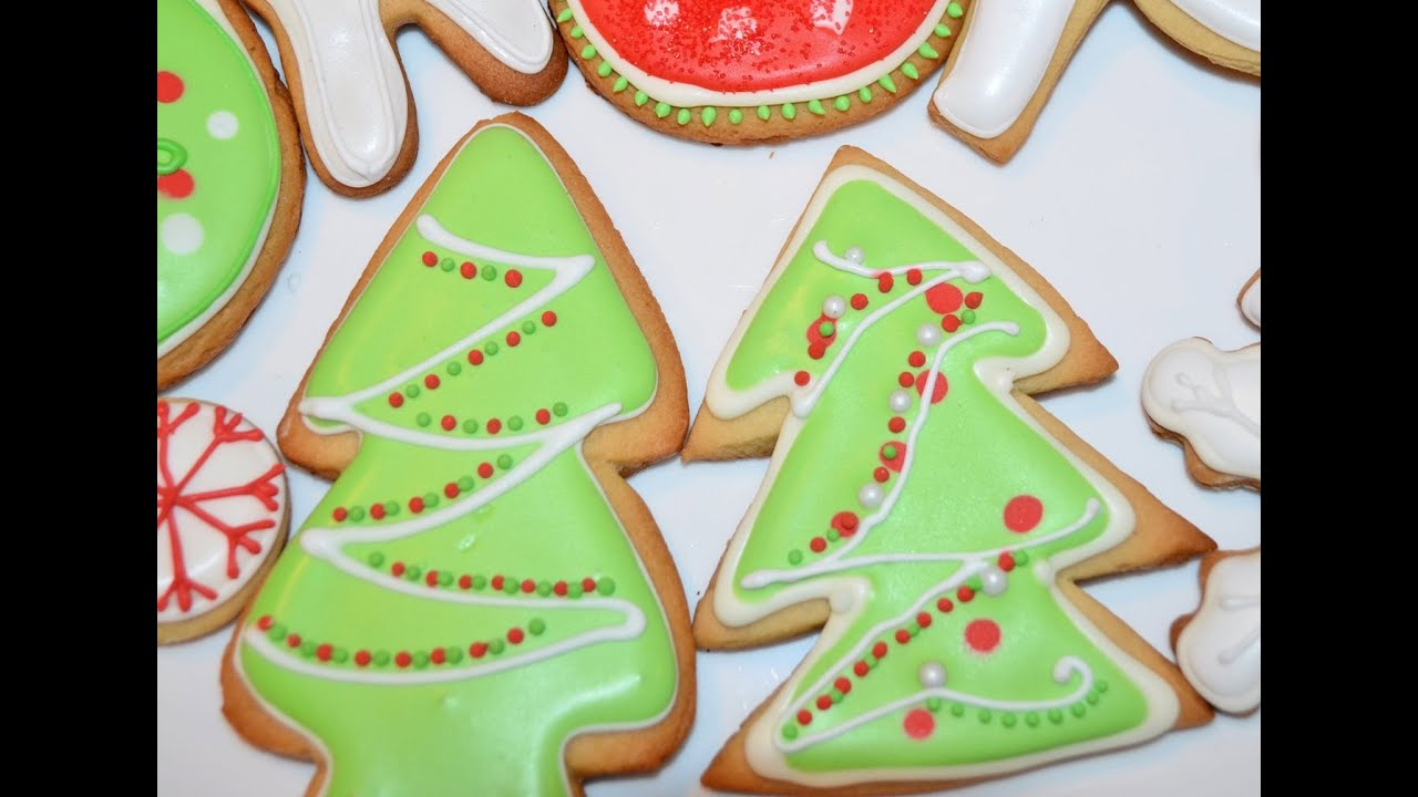 christmas tree sugar cookie with icing