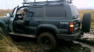 Land Cruiser 80 в грязи