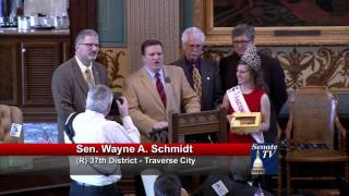 Sen. Schmidt welcomes National Cherry Queen to the Michigan Senate