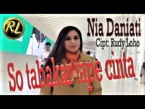 Nia Daniati