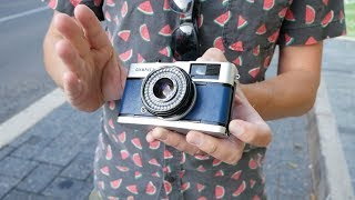 Street photography with the Olympus Trip 35 film camera