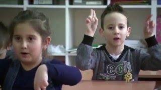 مبادرة بالبوسنة لتعليم لغة الإشارة للتلاميذ