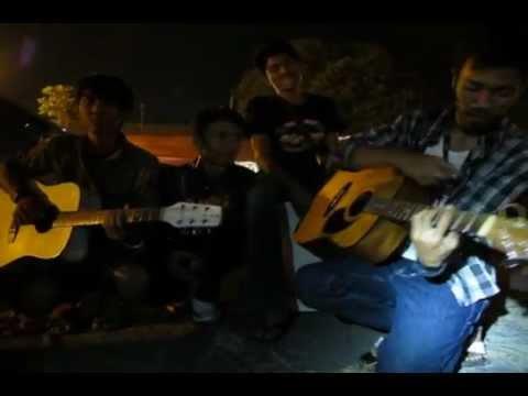 Pengamen keren abiz !!! // Coolest Jogja Street Musicians.mov