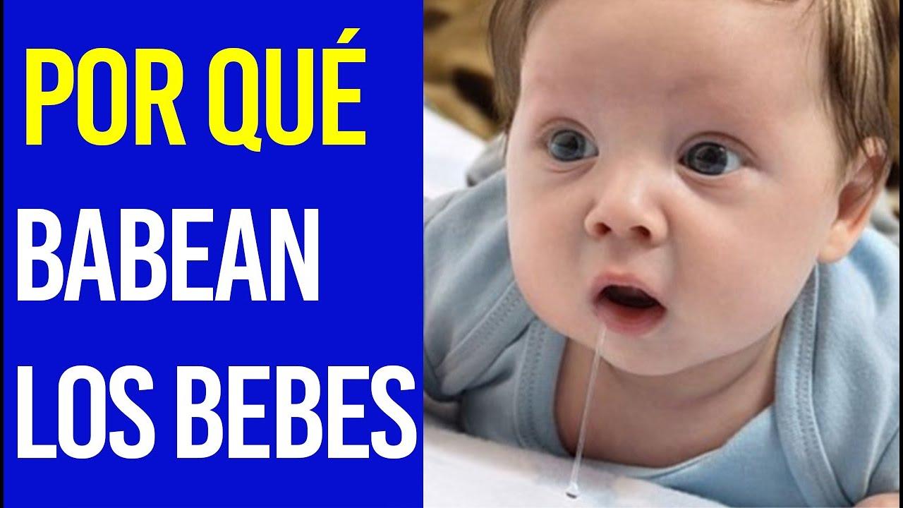 Mi bebé babea sin parar: Conoce las razones y que se debe hacer
