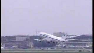 Video IL 96 Beautiful flight (real). Aviashow about Moscow 2005 download MP3, 3GP, MP4, WEBM, AVI, FLV Juni 2018