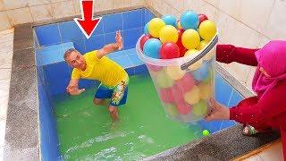 PRANK! İn The Pool Colorful Balls And Gıant Fanta JOKE, KOCAMAN Kova Dolusu SLİME'I JOKE 1