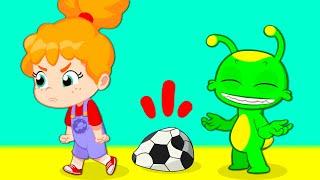 Новый | Groovy Марсианин - Дети занимаются спортом во дворе, ловят мяч!