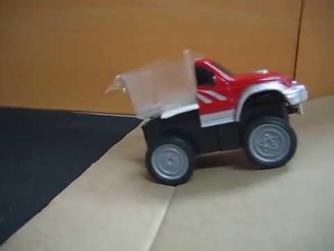 摩擦力小實驗(friction experiment)-有錢能使車爬坡 - YouTube