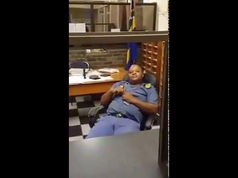No service   Geen diens in Afrikaans