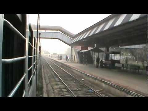 Lichhavi express Arrival Varanasi going via Varanasi City to Mau jn morning show