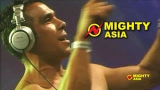 Download DJ Tony Moran - Put Your Hands Up feat. Everett Bradley - Mighty Asia MP3 song and Music Video