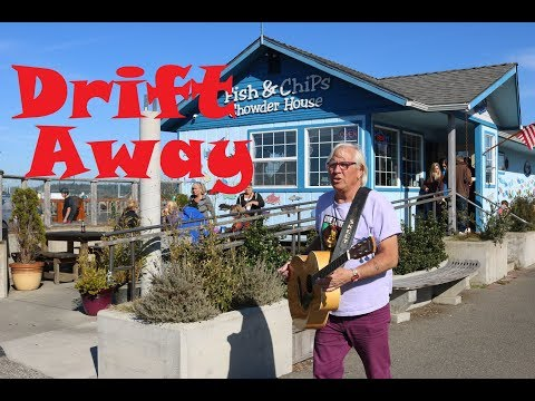 Busker Sings Drift Away - Dobie Gray