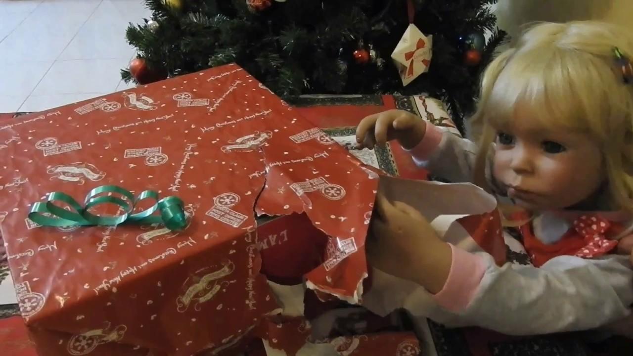 Bambini Che Scartano I Regali Di Natale.Le Mie Bambole Reborn Aprono I Regali Di Natale