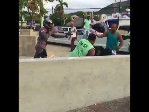 Policía y motoconchista se van a las trompadas en Puerto Plata