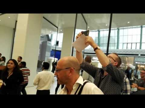 Apple Store Dubai Pre-Opening