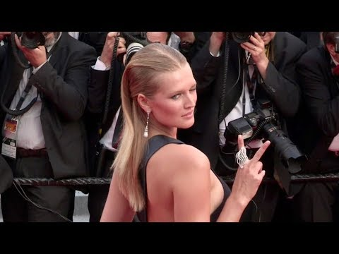 Models Izabel Goulart and Toni Garrn on the red carpet in Cannes