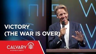 Video Victory (The War Is Over) - 1 Corinthians 15:50-58 - Skip Heitzig download MP3, 3GP, MP4, WEBM, AVI, FLV November 2018