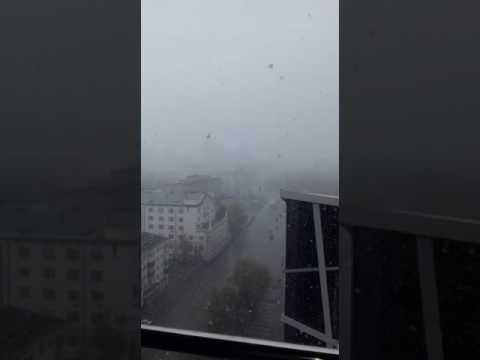 В Екатеринбурге на несколько минут наступила зима