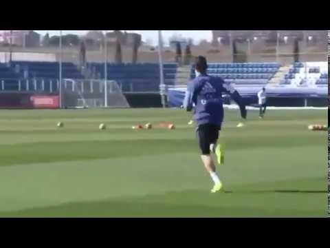 Cristiano Ronaldo Amazing Jump Goal on Real Madrid Training 10022017 - New 1018