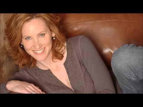 Judith Hoag Talks Pole Dancing & Pink on TMAS