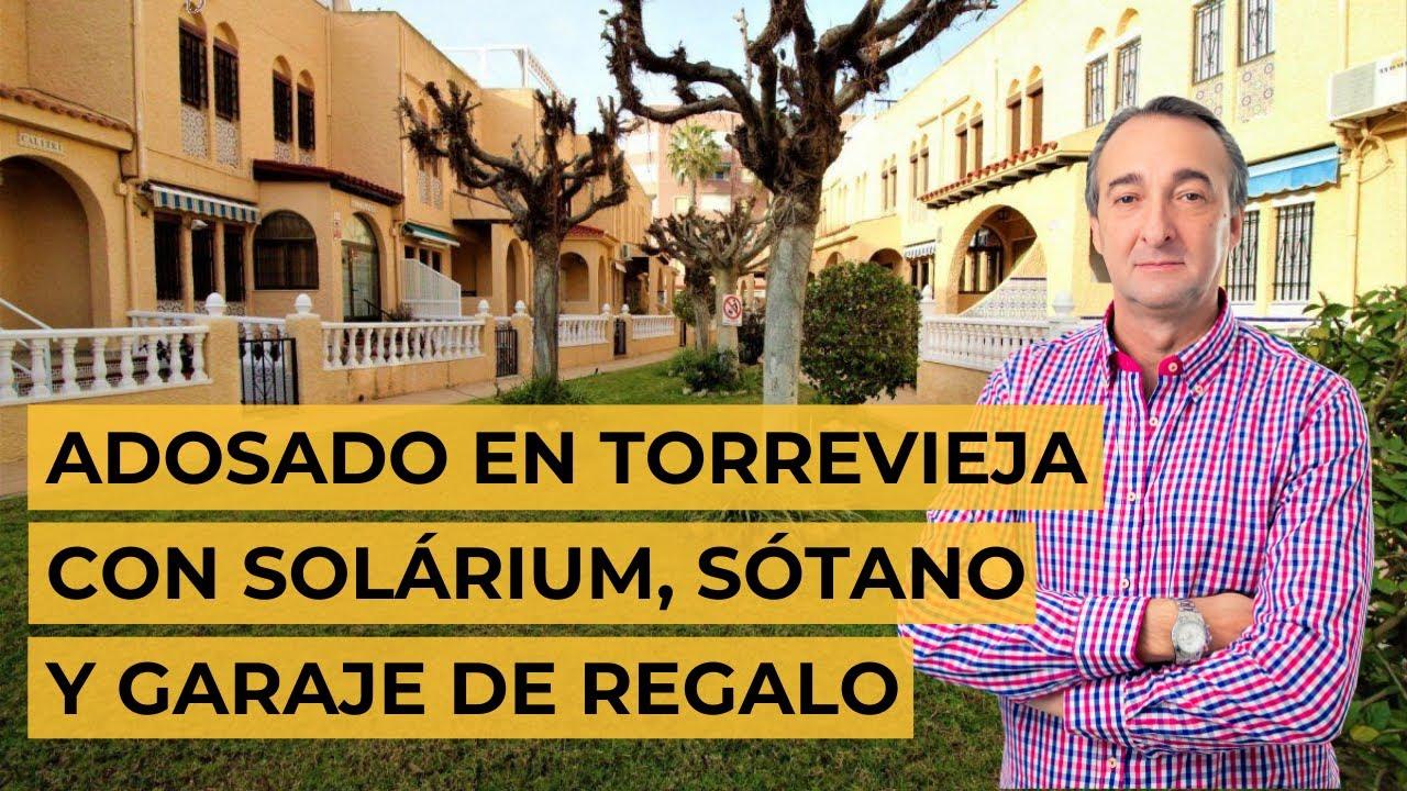 Magnificente adosado en Torrevieja con solárium, sótano y garaje de regalo