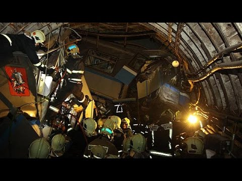 Moscow: 20 dead and scores wounded in metro derailment