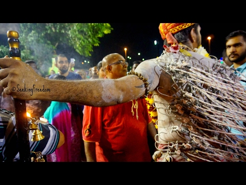 MUST SEE HINDU FESTIVAL Thaipusam in Kuala Lumpur [ Malaysia 2017 ]