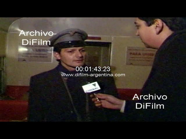 Policia Federal operativo en coches del ferrocarril Mitre 1991