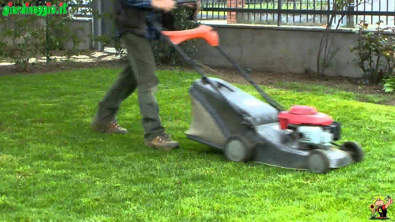 Tagliare l 39 erba quando e come fare il primo taglio youtube - Quando seminare erba giardino ...