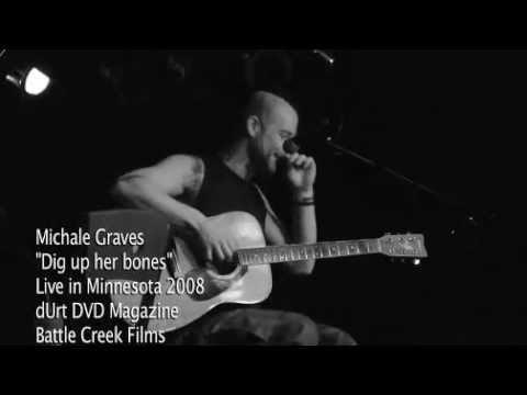 """Michale Graves - """"Dig up her bones"""" live performance"""