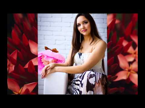 Фотографии девушек с огромными цветами