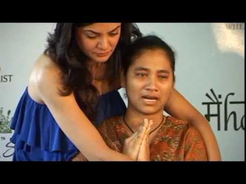 Sushmita Sen S Family Sush With Her Daughter Youtube