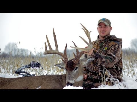 Bowhunting deer- through hell to heaven 197' HogWild buck