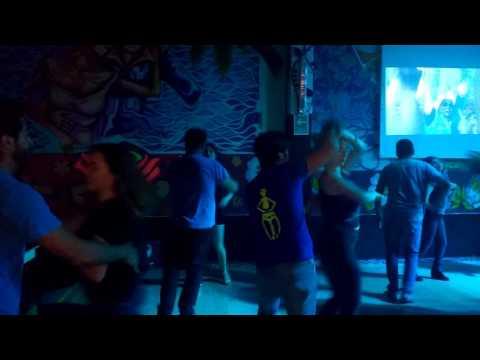 Grandes Maestros bailando en Jueves Cubano en Rosa Negea